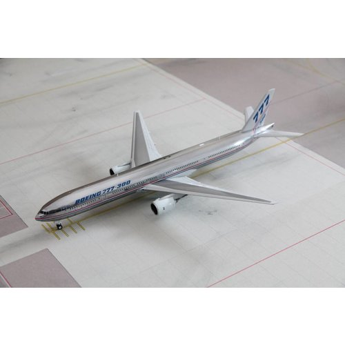 JC Wings 1:200 Boeing House Livery Polished B777-300