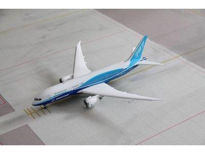 Phoenix 1:200 Boeing House Color B787-8