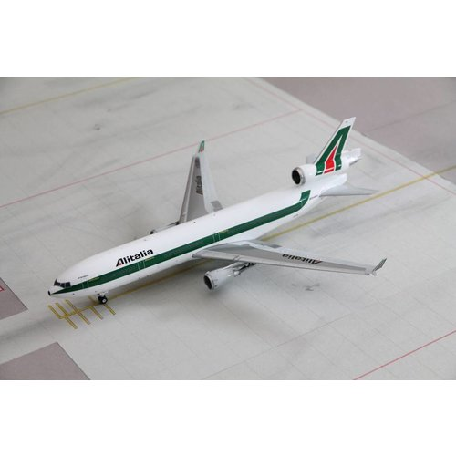 JC Wings 1:200 Alitalia MD-11