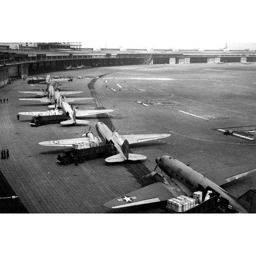 """Aviationtag Aviationtag - Douglas DC-3 - """"Candybomber"""" - D-CXXX (silver)"""