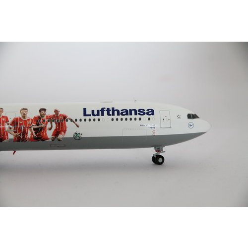 "Herpa 1:200 Lufthansa ""FC Bayern Audi Summer Tour China 2017"" A340-600"