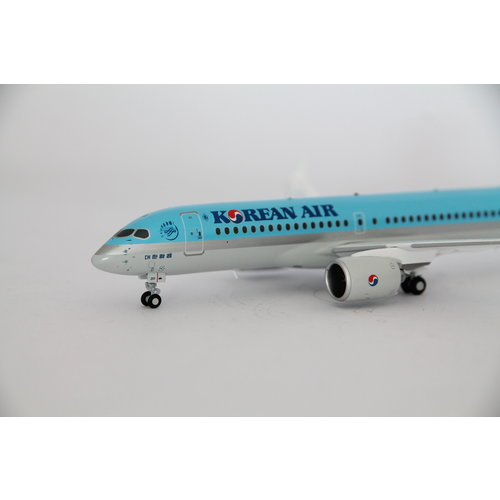 JC Wings 1:200 Korean Air Bombardier CS300