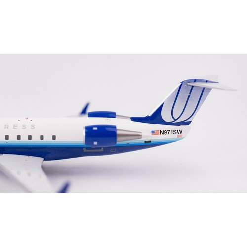 "NG Model 1:200 United Express ""Blue Tulip"" CRJ-200"