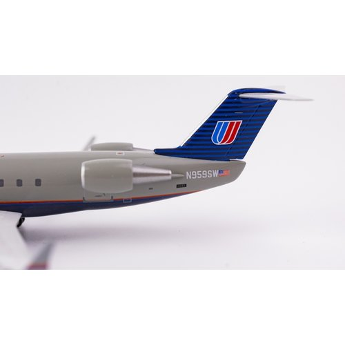 "NG Model 1:200 United Express ""Battleship"" CRJ-200"