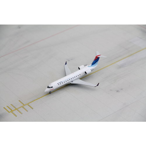 NG Model 1:200 Delta Connection CRJ-100