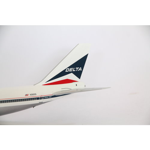 Aviation 200 1:200 Delta Air Lines B747-100