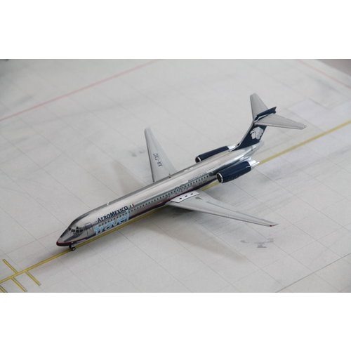 "Gemini Jets 1:200 AeroMexico ""Travel"" MD-87"