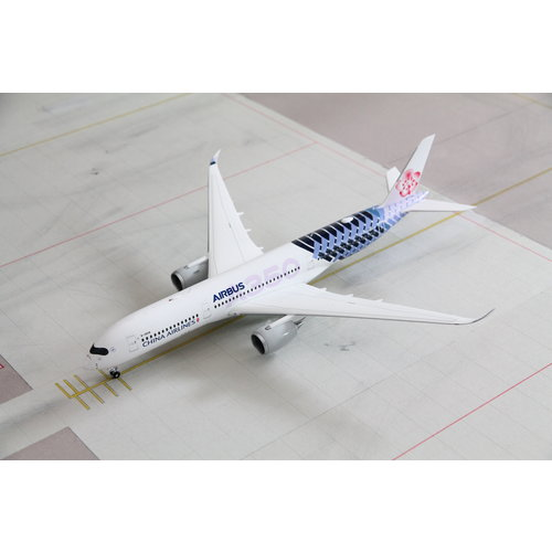 "JC Wings 1:200 China Airlines ""Carbon"" A350-900"