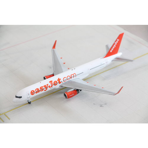 JC Wings 1:200 Easyjet  B757-200