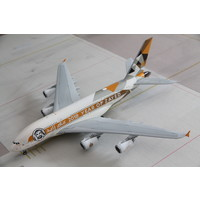 "1:200 Etihad ""Year of Zayed"" A380"