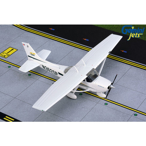 """Gemini Jets 1:72 Cessna 172 Skyhawk  """"Fly ECA"""""""
