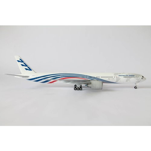 JC Wings 1:200 Boeing House Color B777-300
