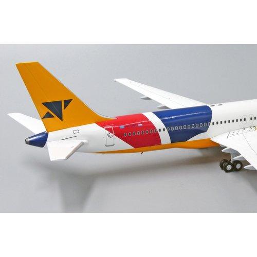 JC Wings 1:200 DutchBird  B757-200