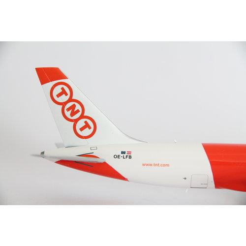 JC Wings 1:200 TNT B757-200(PF)