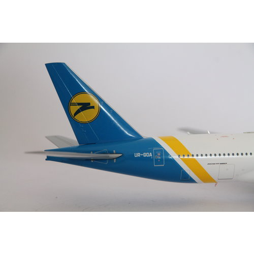 JC Wings 1:200 Ukraine International Airlines B777-200