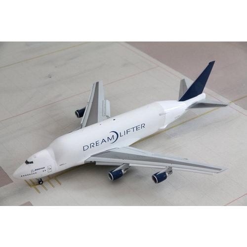 JC Wings 1:200 Boeing 747LCF Dreamlifter  - FLAPS DOWN