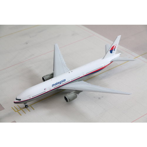 JC Wings 1:200 Malaysia Airlines B777-200