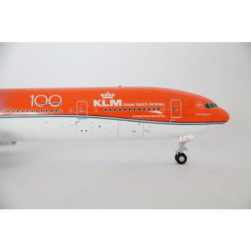 JC Wings 1:200 KLM B777-300 Orange Pride  - Flaps Down