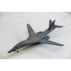"Herpa 1:200 US Air Force B1B Lancer ""Wolfhound"""