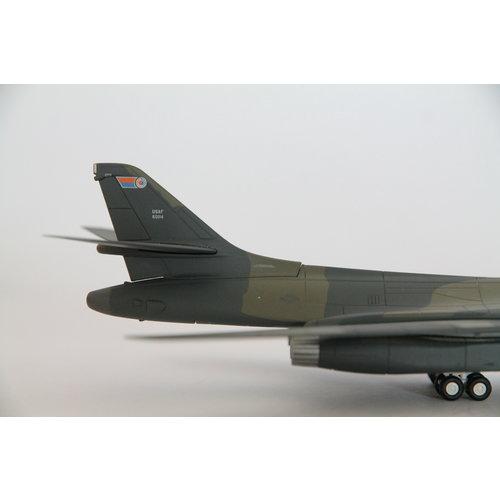 "Herpa 1:200 US Air Force B1B Lancer ""Wolfhound"""