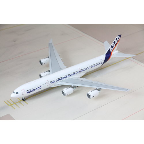 JC Wings 1:200 Airbus House Color A340-500