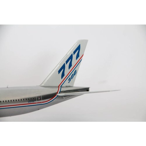 JC Wings 1:200 Boeing House Color Polished B777-300