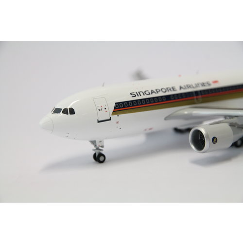 JC Wings 1:200 Singapore Airlines A310-300