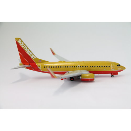 """Gemini Jets 1:200 Southwest Airlines """"Mustard"""" B737-700 - Flaps Down"""