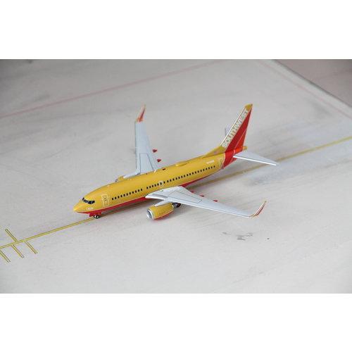 "Gemini Jets 1:200 Southwest Airlines ""Mustard"" B737-700"