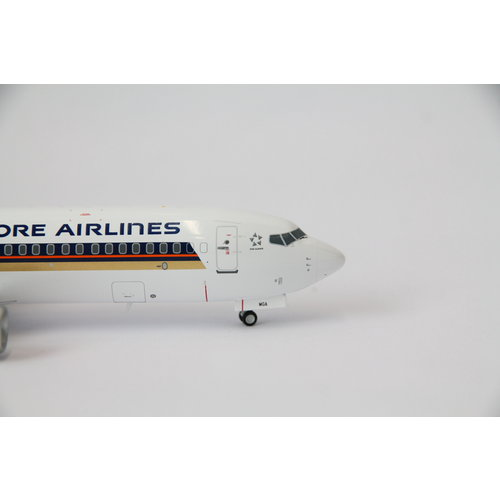JC Wings 1:200 Singapore Airlines B737-800 - Flaps Down
