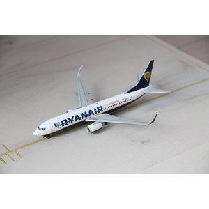 JC Wings 1:200 Malta Air (Ryanair) B737-800