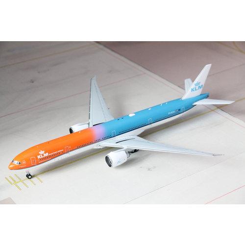 JC Wings 1:200 KLM B777-300 Orange Pride