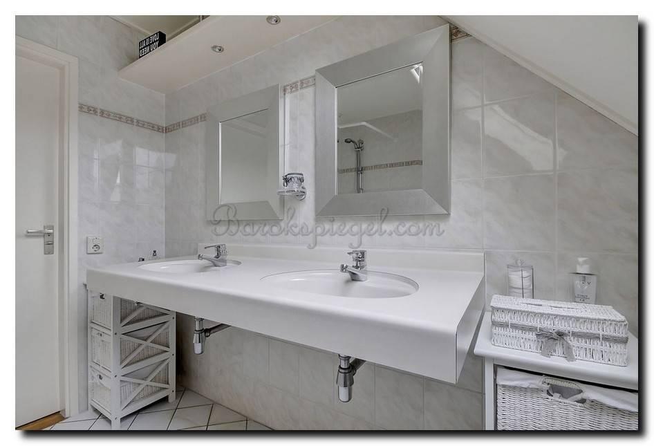 Moderne en strakke spiegel Tate Soft zilver large 76mm