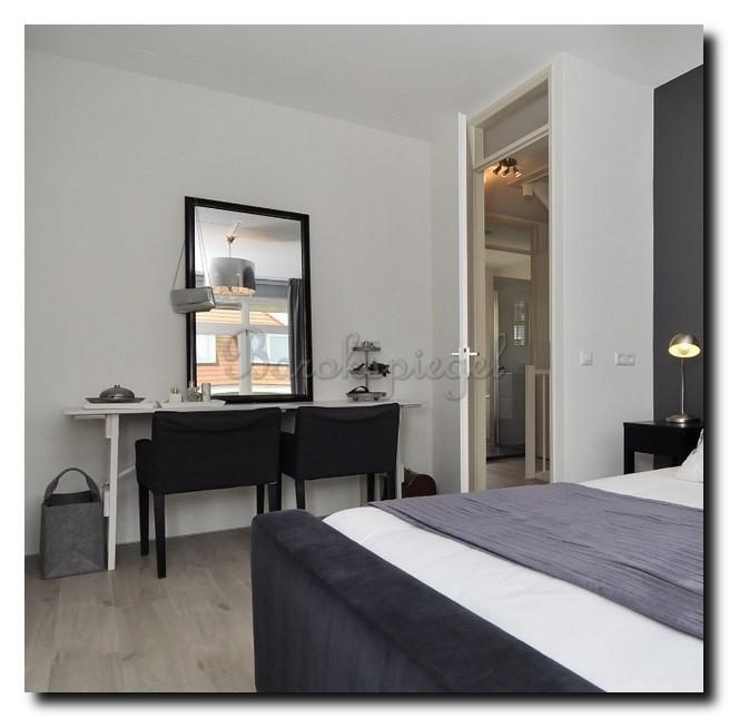 ontdek de charme van een spiegel in de slaapkamer