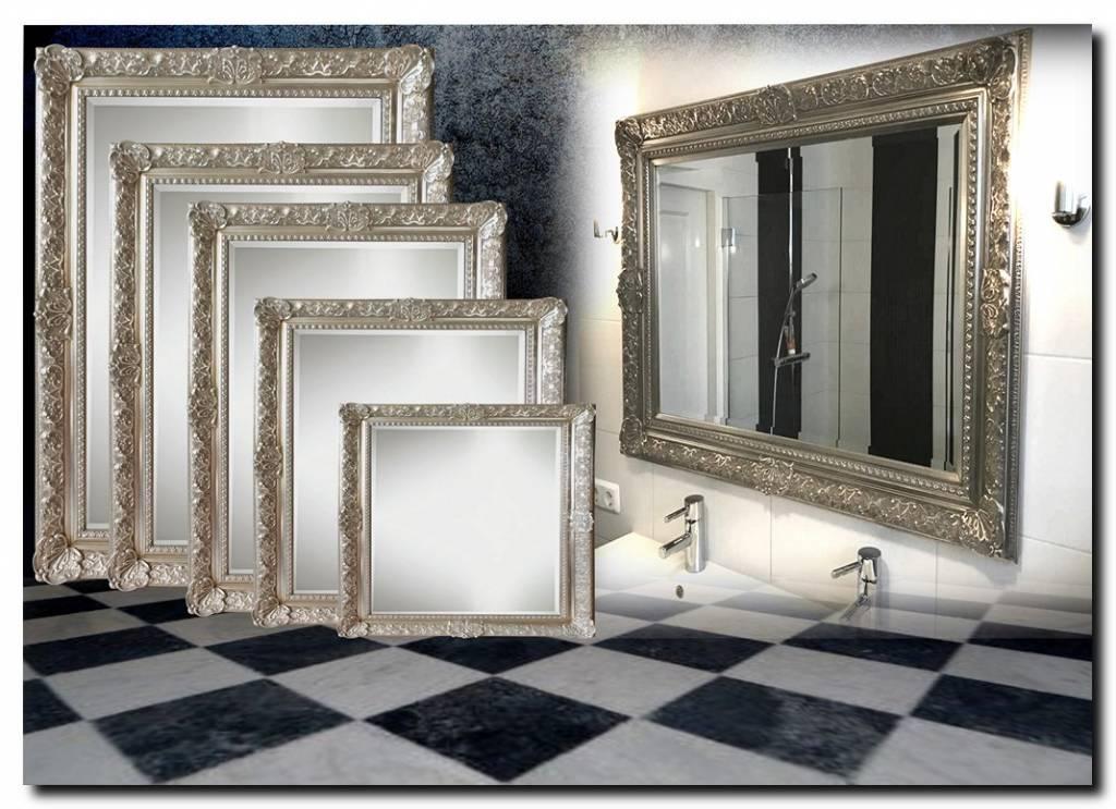 Koninklijke spiegel met barok zilveren lijst William
