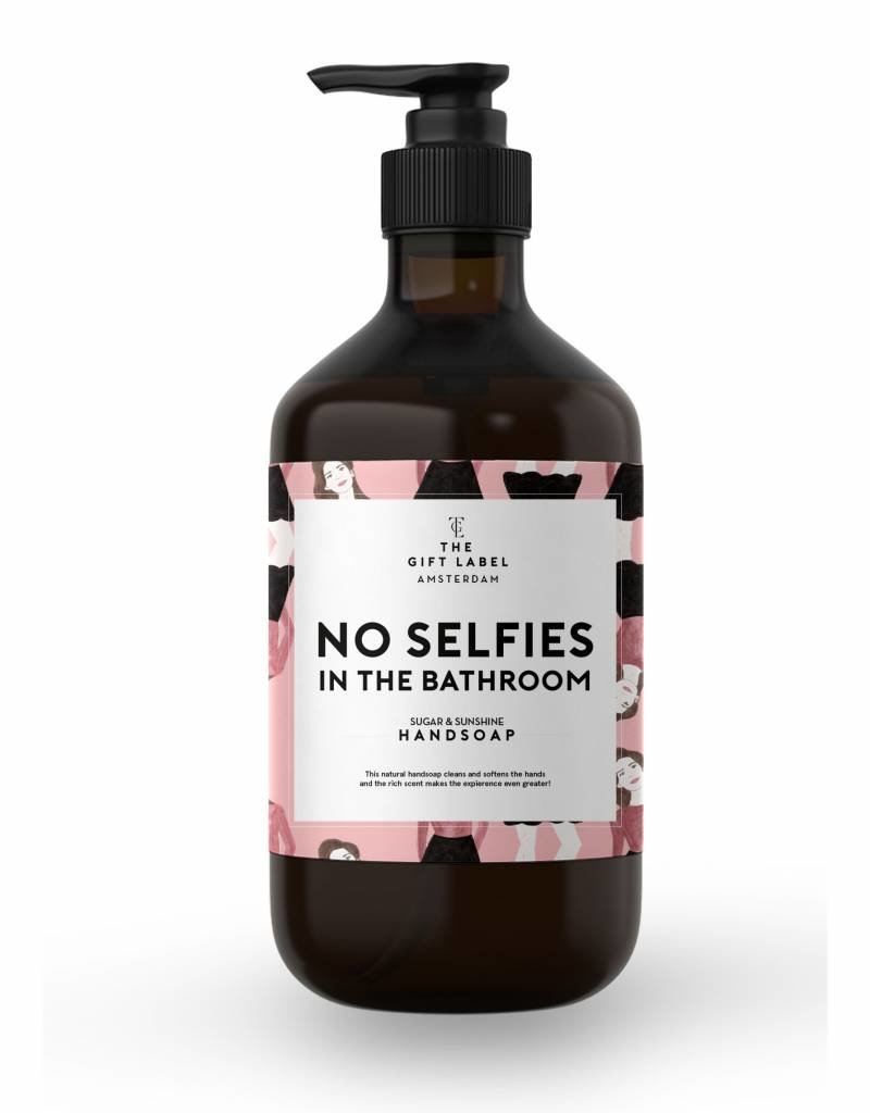 The gift label Handzeep pompje: no selfies