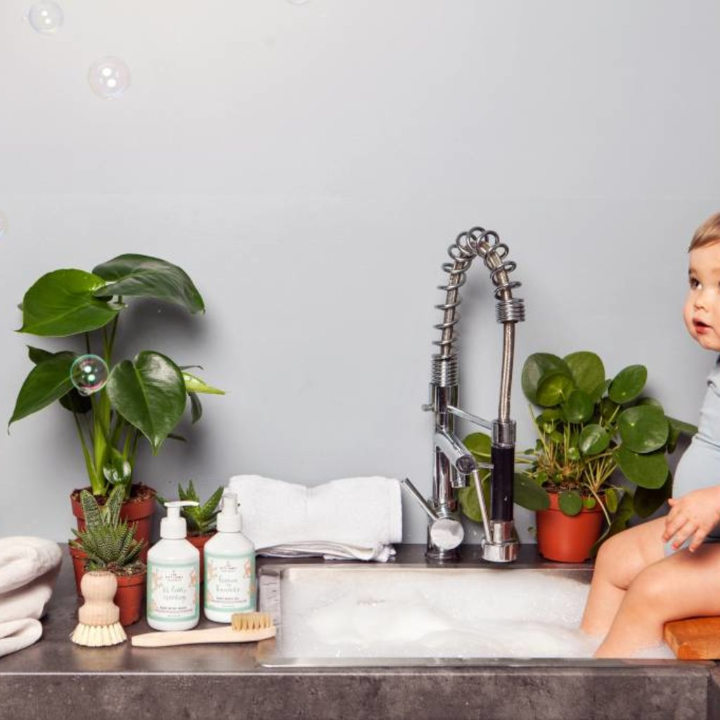 The gift label Baby Body Wash: Hi little