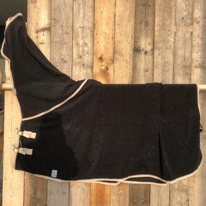 SOLDEN !! Fleece deken met hals zwart/beige-mix 155cm