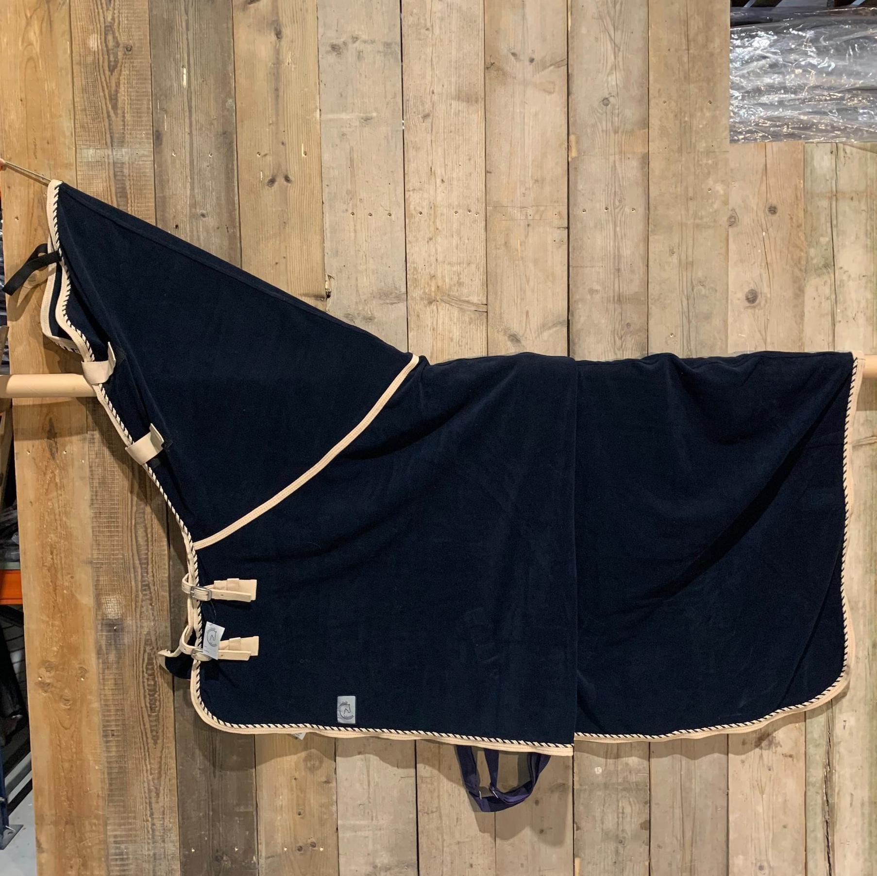 Greenfield Selection SOLDEN !! Fleece deken met hals blauw/beige-mix 155cm