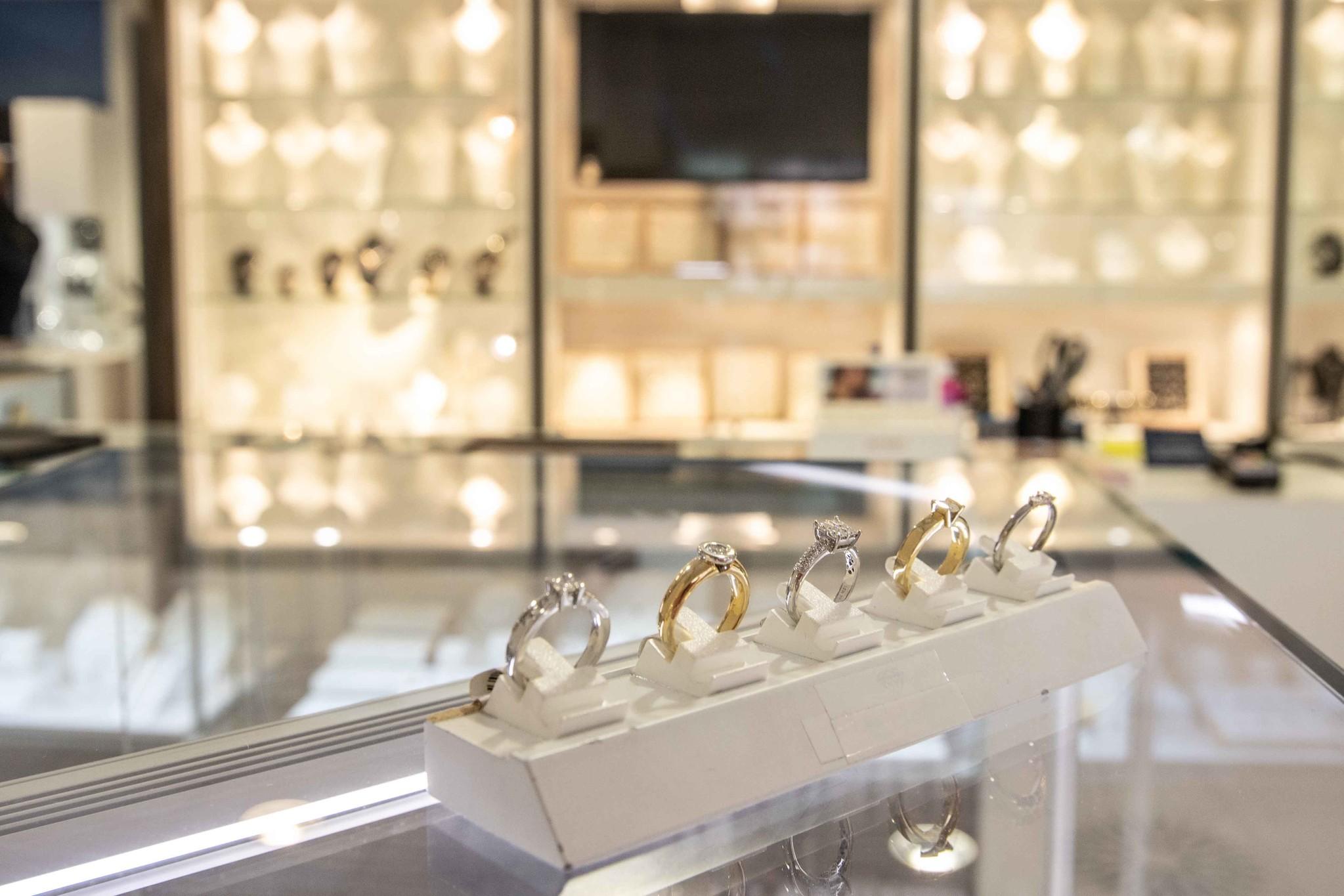 Verlovingsring Sieraden Paul van Zeeland juweliers