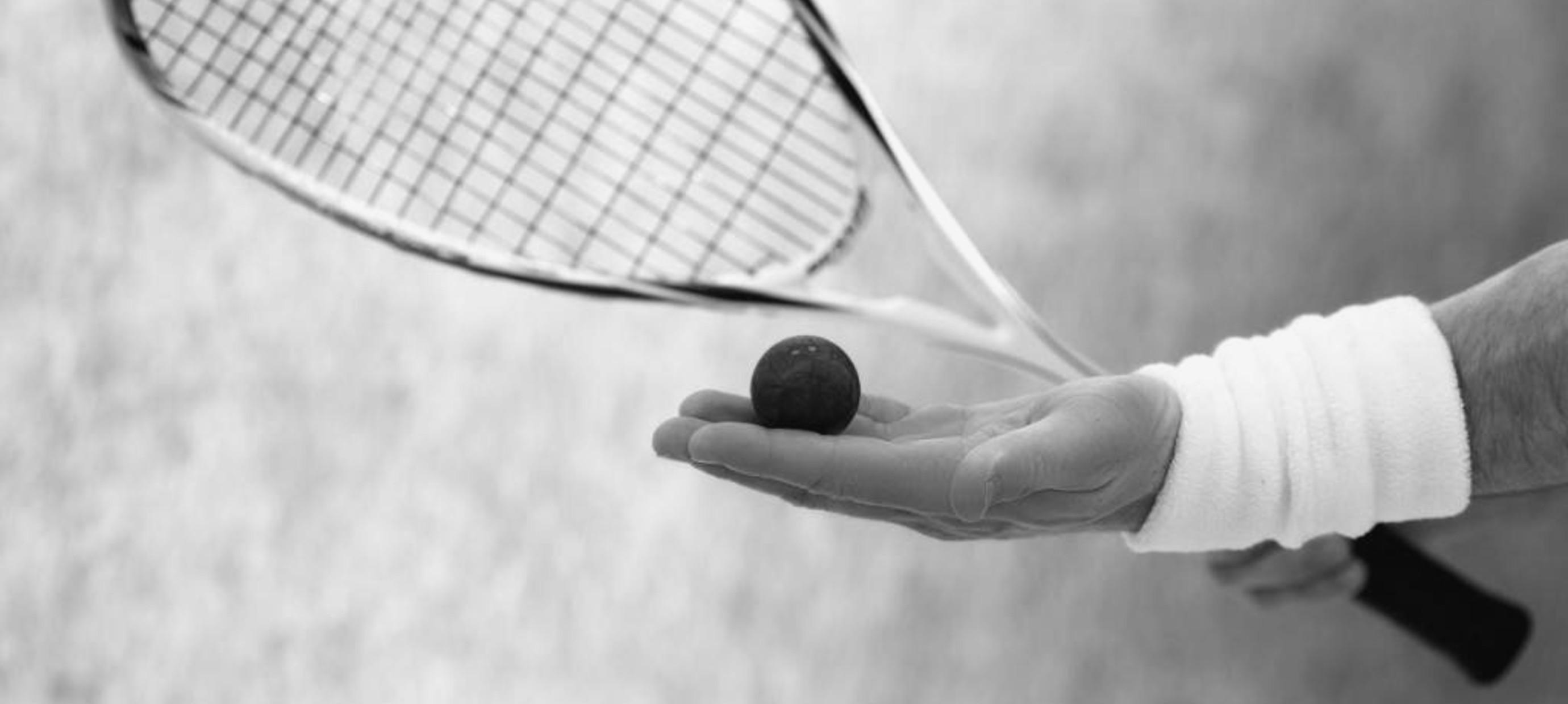 The advantages of a light squash racket