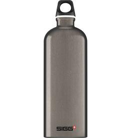 Sigg Traveller Smoked-Pearl drinkfles 1L