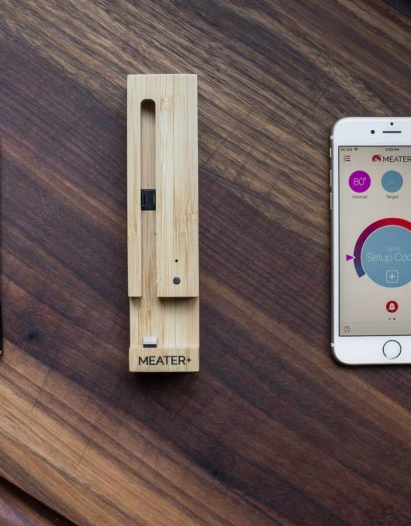Meater De Meater is 's werelds eerste volledig draadloze slimme vleesthermometer incl. Wifi Repeater. Met behulp van de MEATER-app kun je de volledige controle over je eten krijgen!