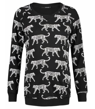 Supermom Sweater is graphic