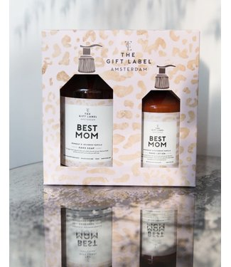 The gift label Best mom gift box