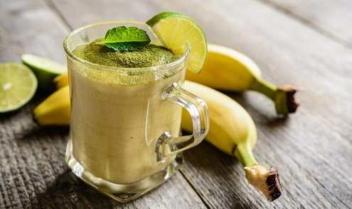 Recept: Tropische Banana Matcha Smoothie