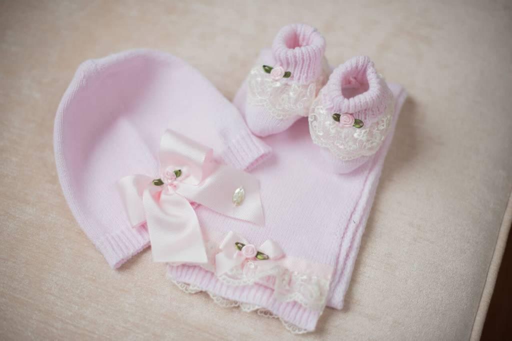 Piccola Speranza Piccola Speranza Girls 3 Piece Hat, Scarf & Bootee Gift Set
