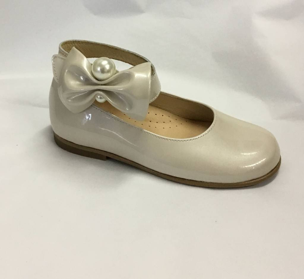 Andanines Andanine Ivory Ankle Strap Shoe