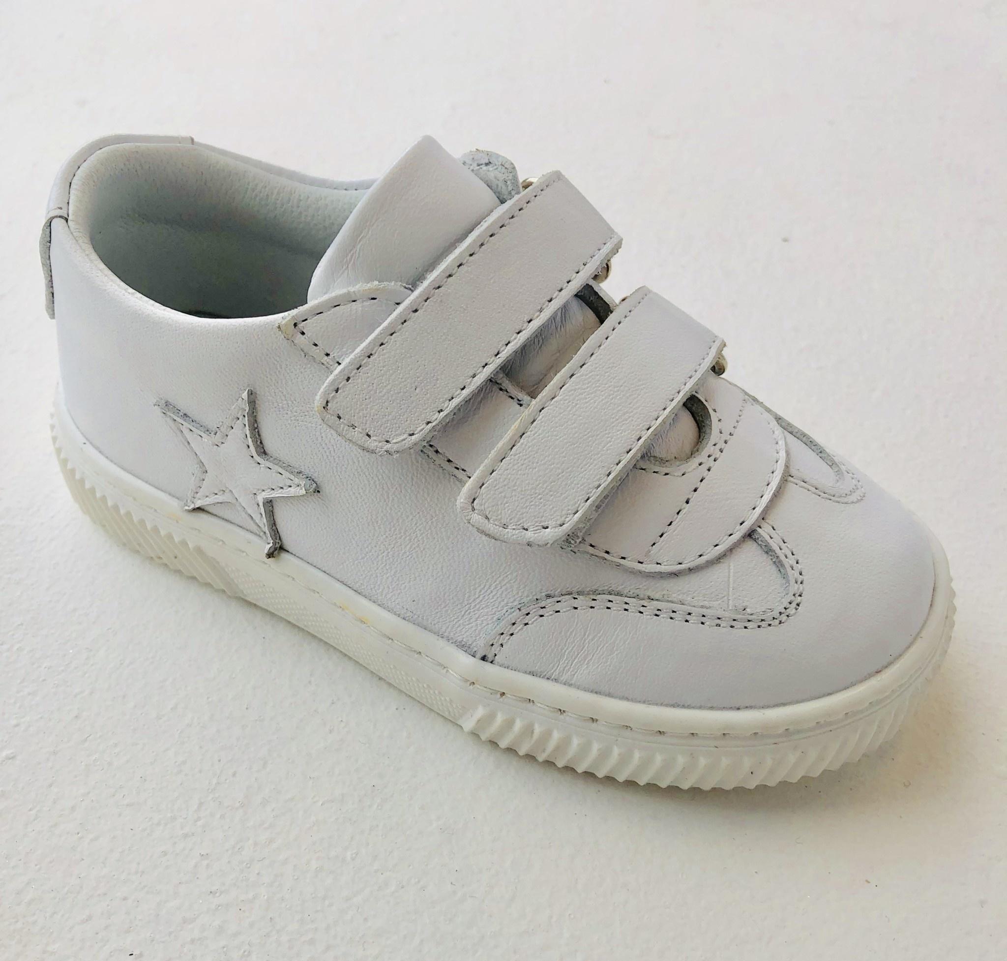 bebebia BebeBia White Leather Star Shoes