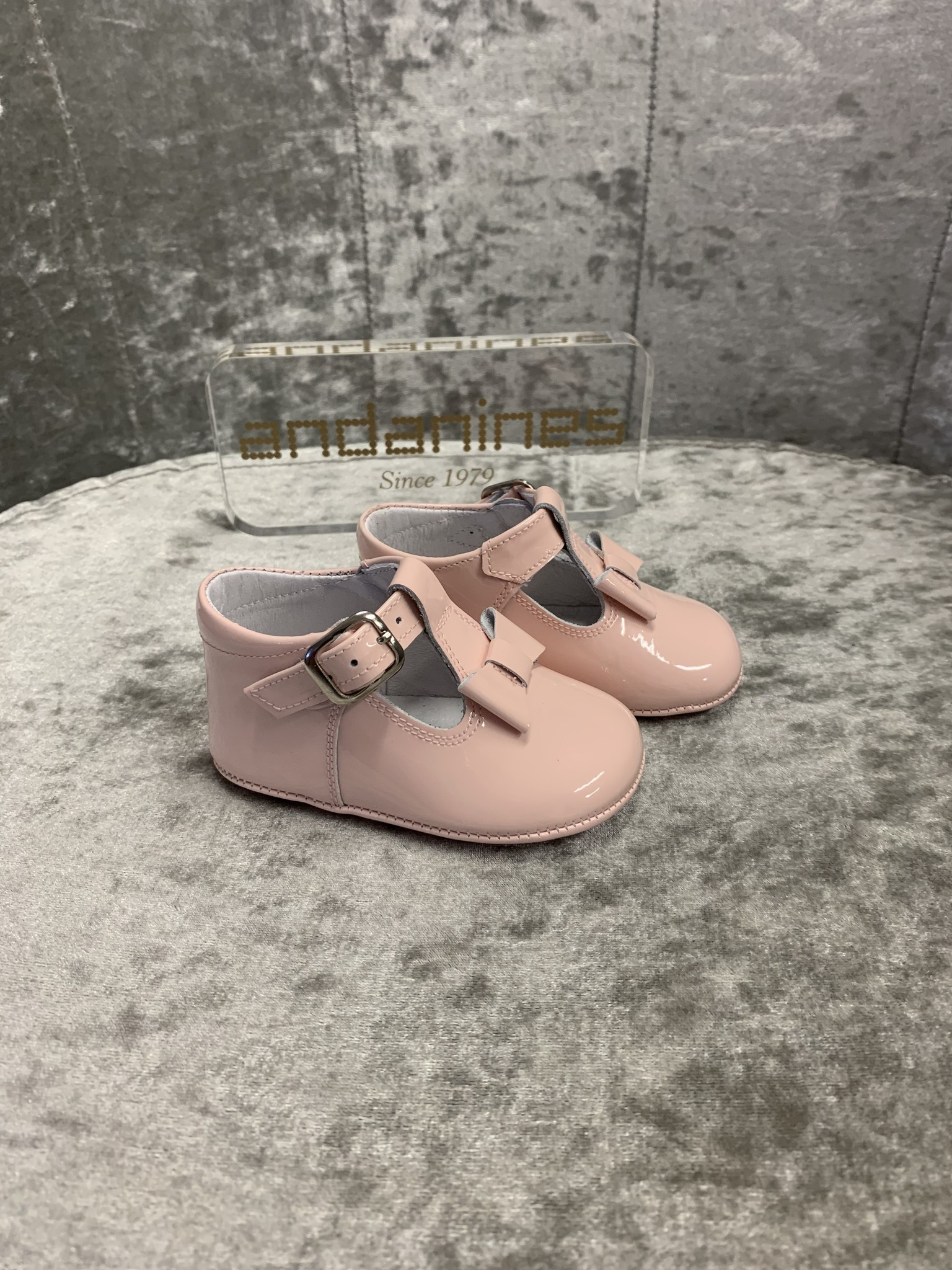 Andanines Andanines Pink Patent Bow Pram Shoes